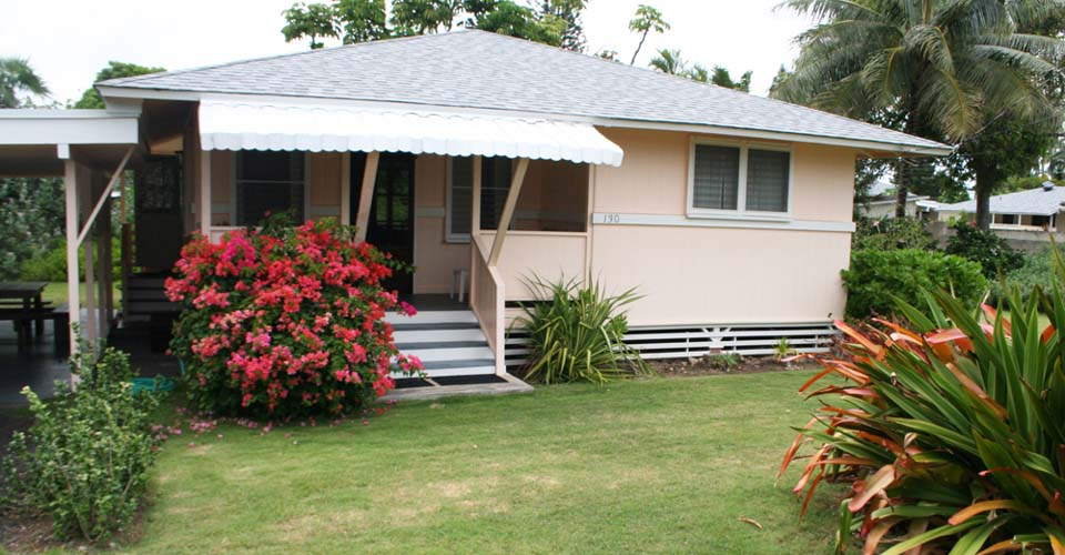 A cozy & traditional Hawaiian style cottage - Tutu's Cottage.