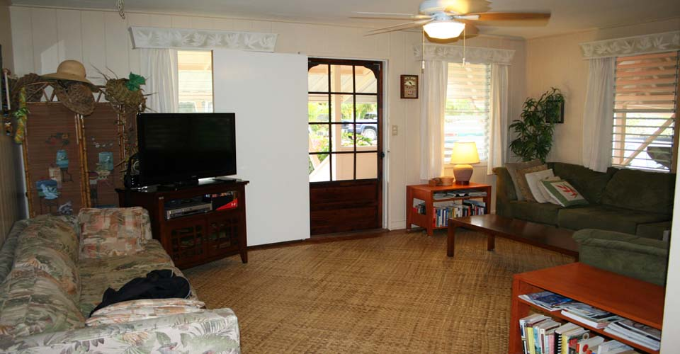 Tutu's Cottage living room and entertainment center.
